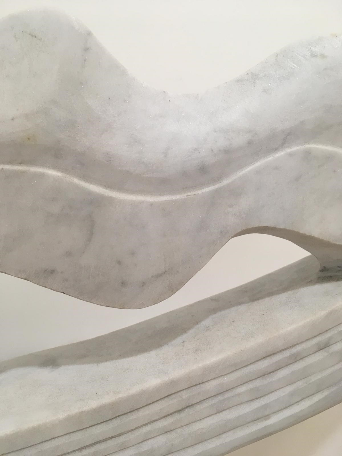 'Ripple (Carrara Marble and Caithness Stone Base)' by artist Tom Allan